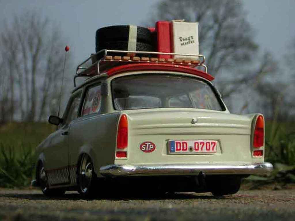 Trabant 601 de luxe 1/18 Sun Star oldskool trabimaker ost berlin 1969