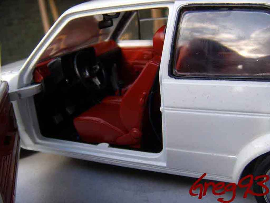 Volkswagen Golf 1 GTI 1/18 Solido jantes ATS tuning blanche
