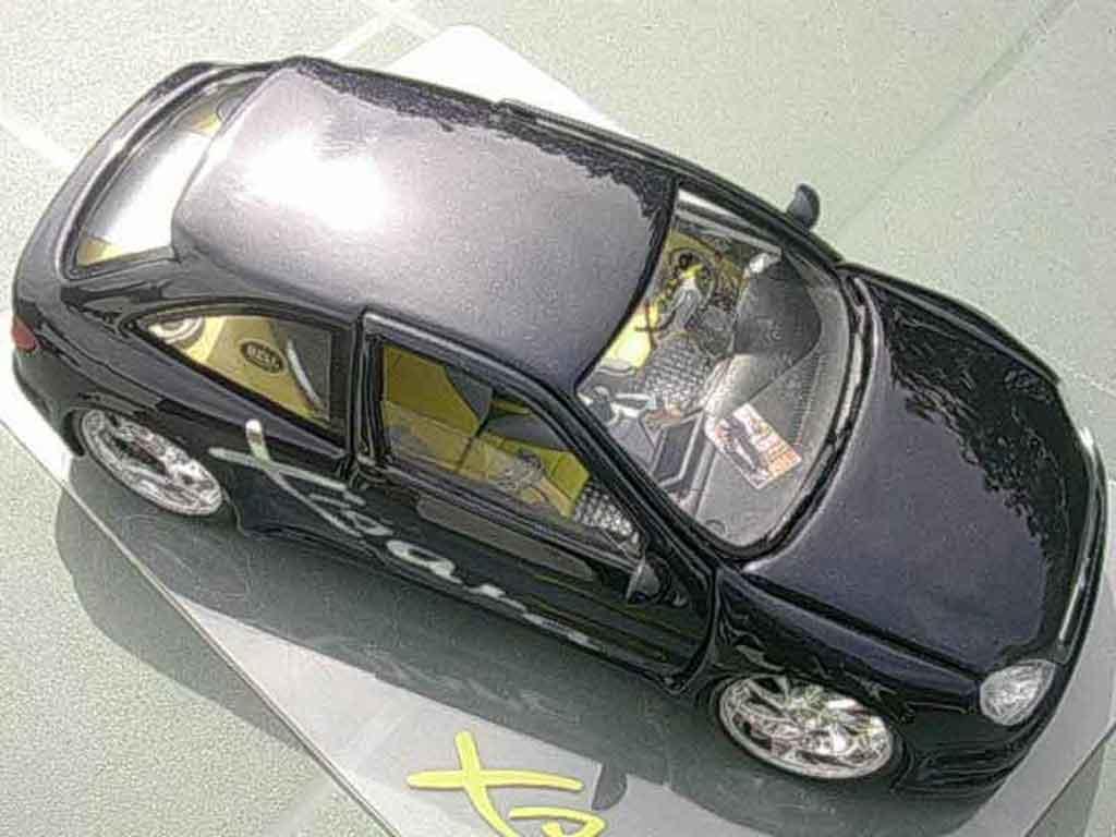 Citroen Xsara tuning 1/18 Solido negro