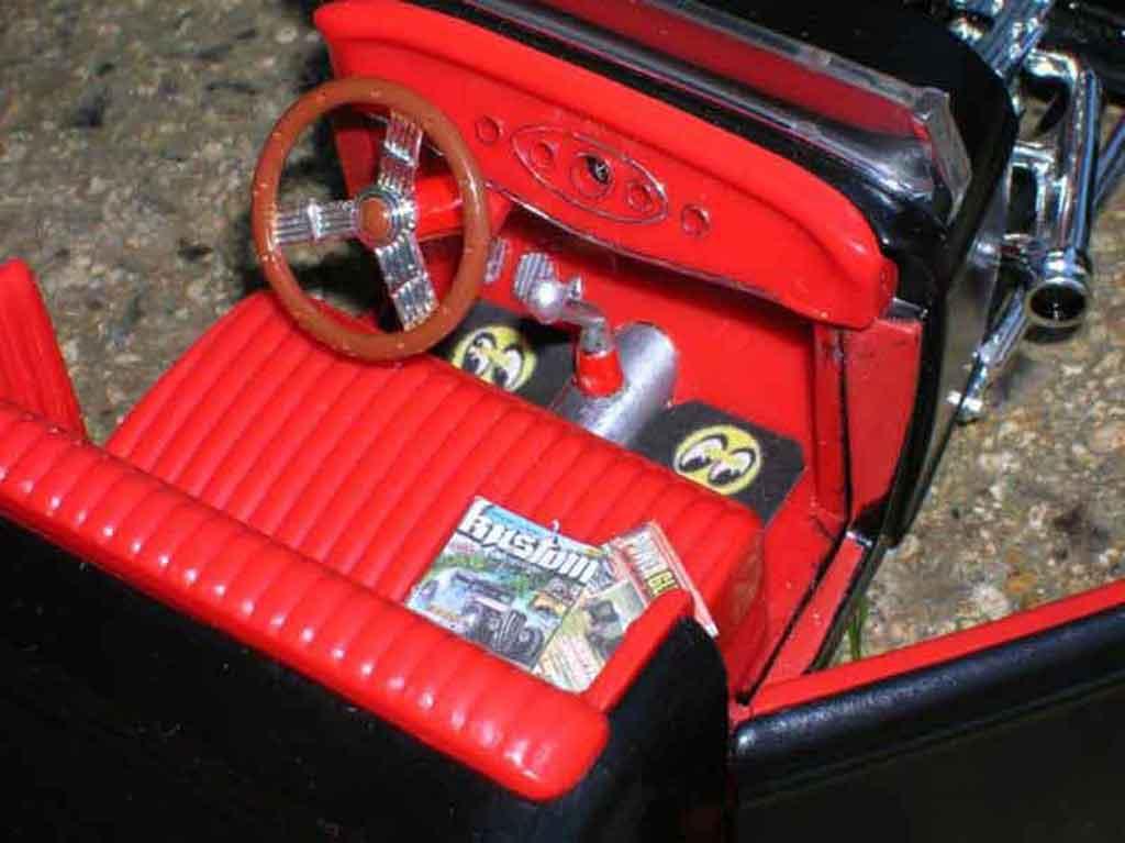 Ford 1932 1/18 Ertl hot rod noir red