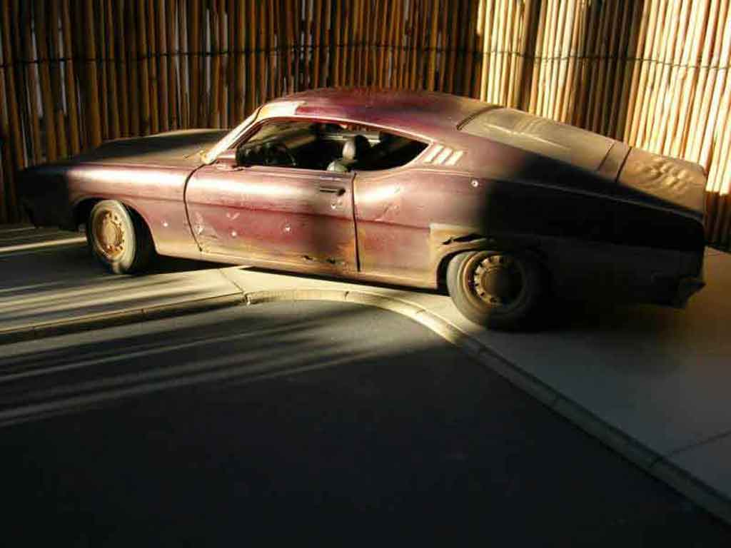 Ford Torino 1/18 Maisto talladega gangsta car
