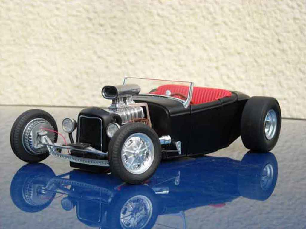 Ford 1932 1/18 Ertl drag noir hot rod tuning miniature