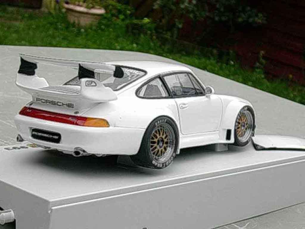 Porsche 993 GT2 evo transkit legende miniature tuning Ut Models. Porsche 993 GT2 evo transkit legende miniature modellauto 1/18