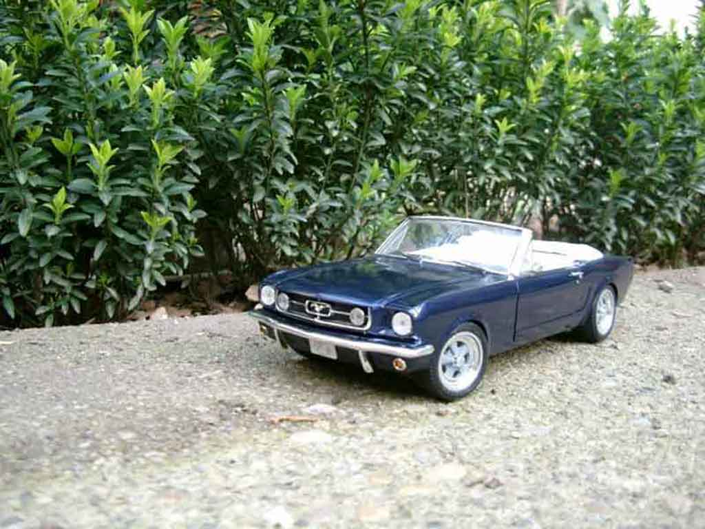 Ford Mustang 1965 1/18 Jouef cabriolet blau tuning modellautos