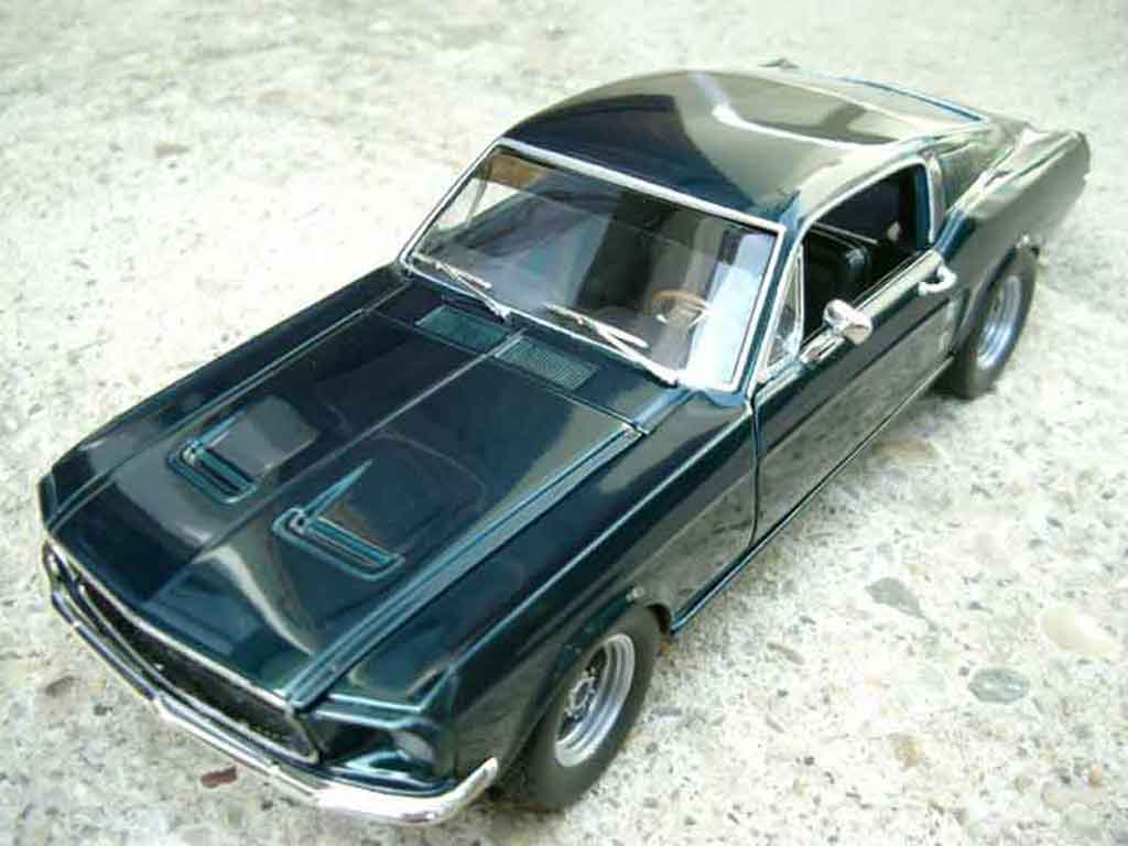 Ford Mustang Bullit Mc Queen 1/18 Johnny Lightning gt replique 1967