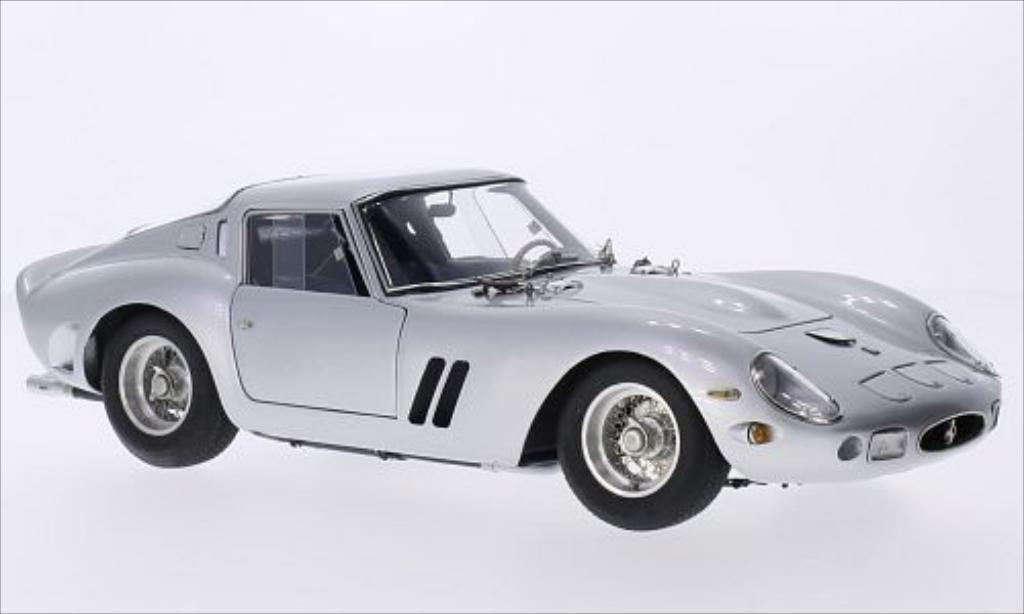 Ferrari 250 GTO 1/18 CMC grise 1962 miniature
