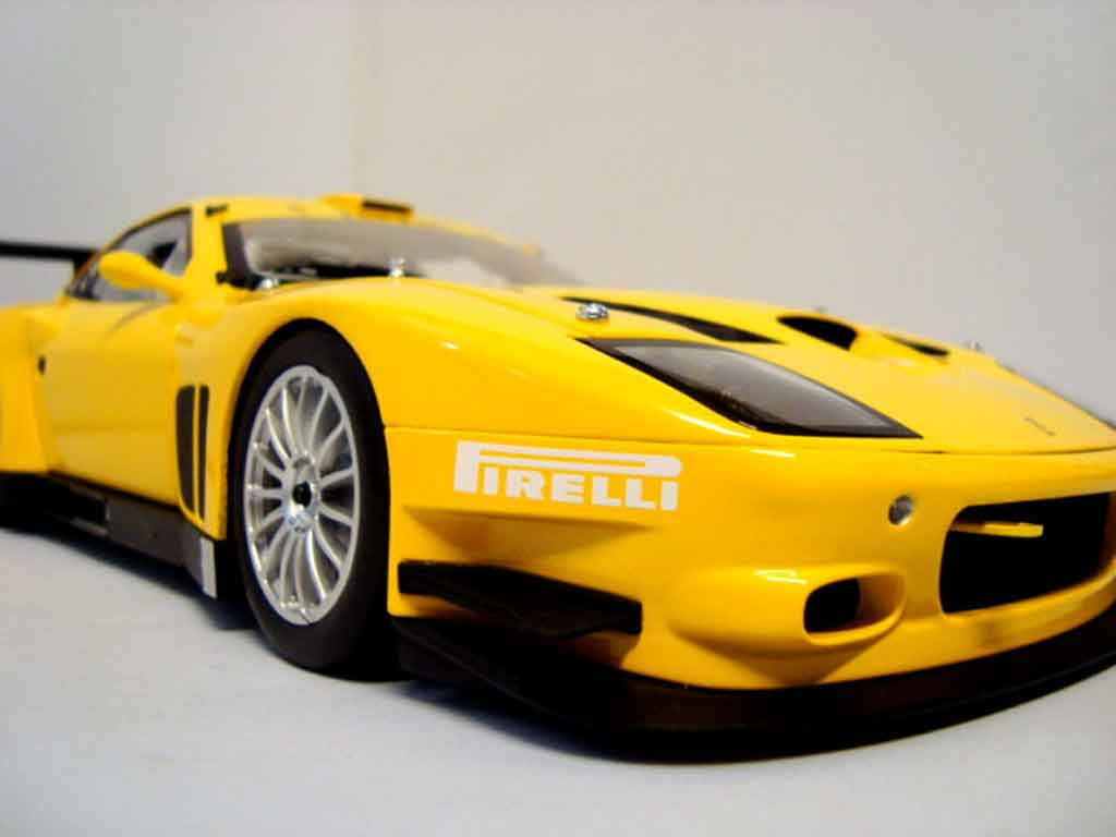 ferrari 575 gtc miniature evoluzione 2005 jaune kyosho 1 18 voiture. Black Bedroom Furniture Sets. Home Design Ideas