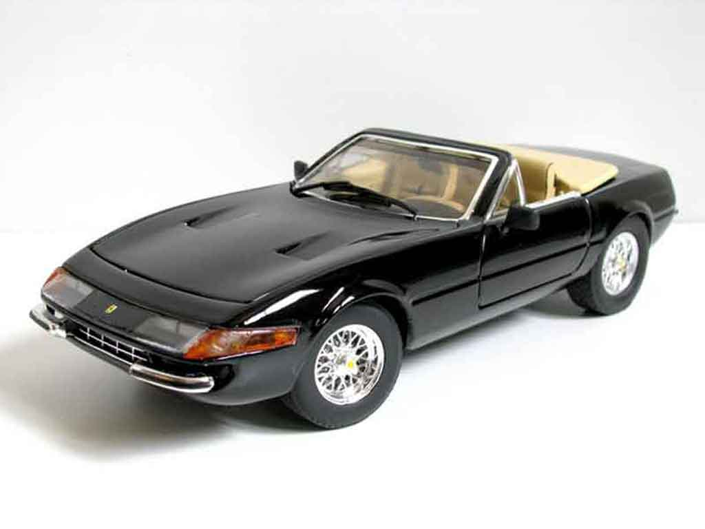 Ferrari 365 GTB/4 1/18 Hot Wheels miami vice daytona