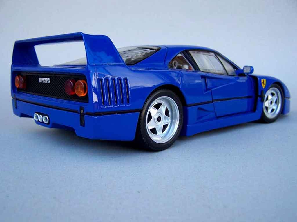 Ferrari F40 1/18 Burago stradale bleue rfr sport tuning miniature