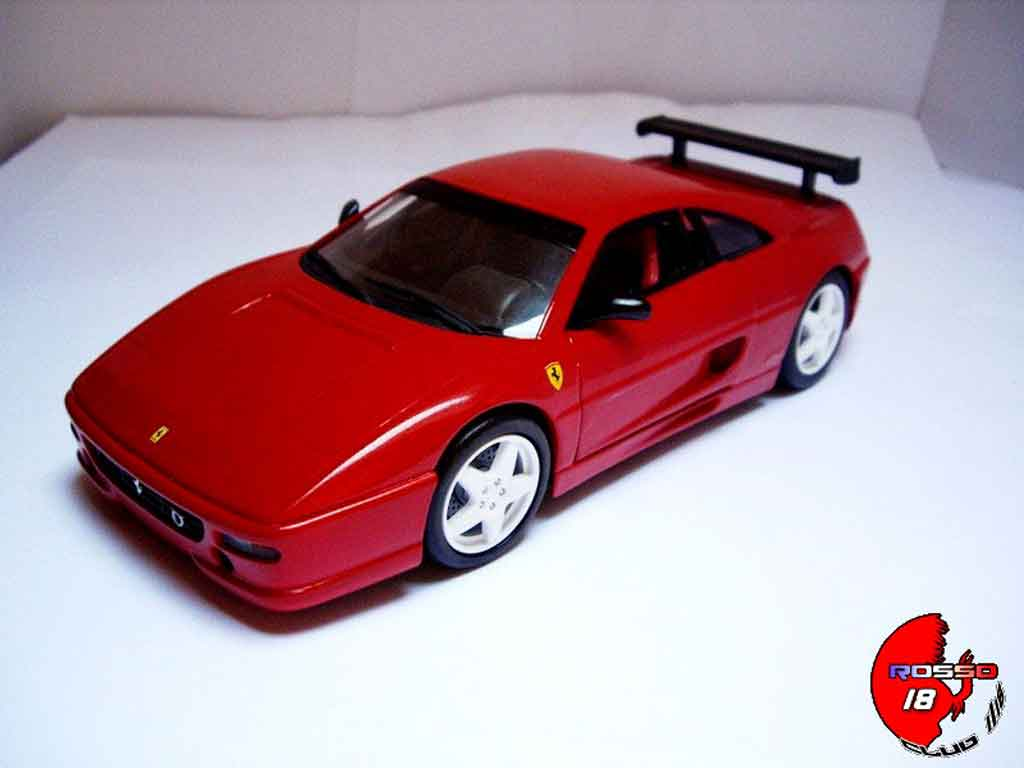 Ferrari F355 Berlinetta 1/18 Hot Wheels challenge rot tuning modellautos