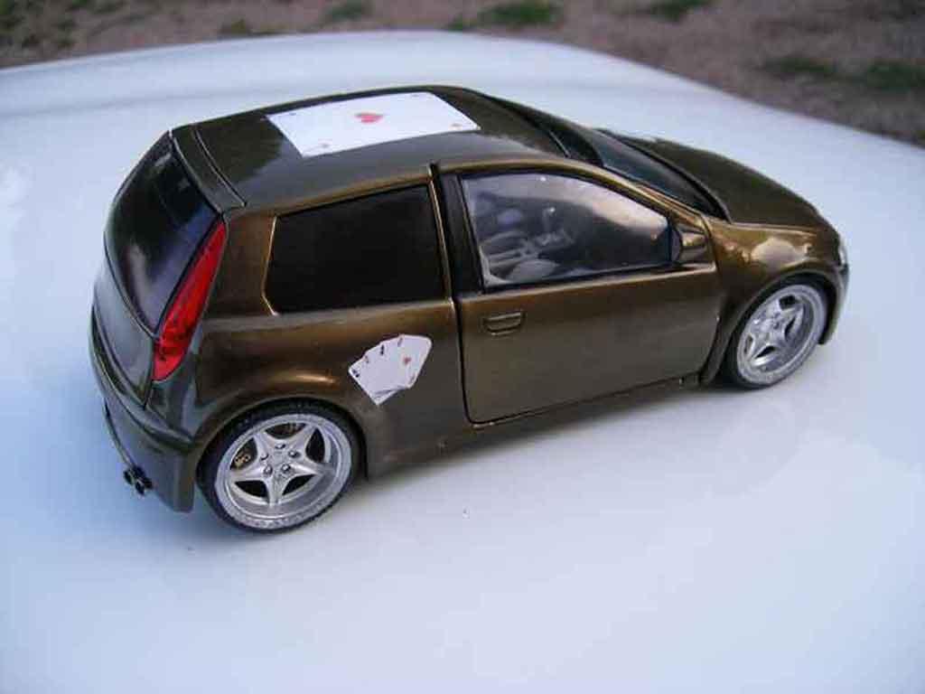 Fiat Punto gt tuning Ricko. Fiat Punto gt miniature modèle réduit 1/18