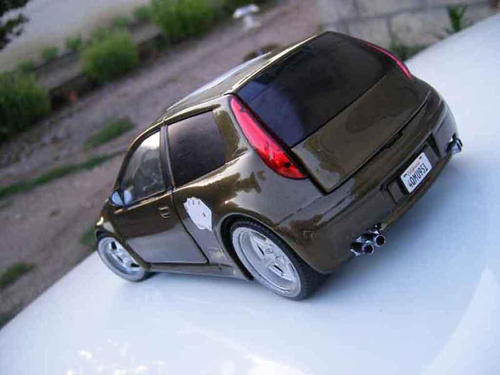 Auto miniature Fiat Punto gt tuning Ricko. Fiat Punto gt miniature 1/18