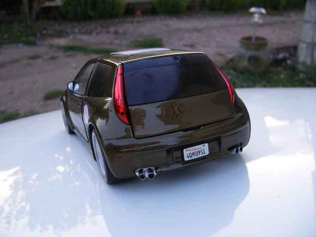 Fiat Punto gt tuning Ricko. Fiat Punto gt miniature auto miniature 1/18