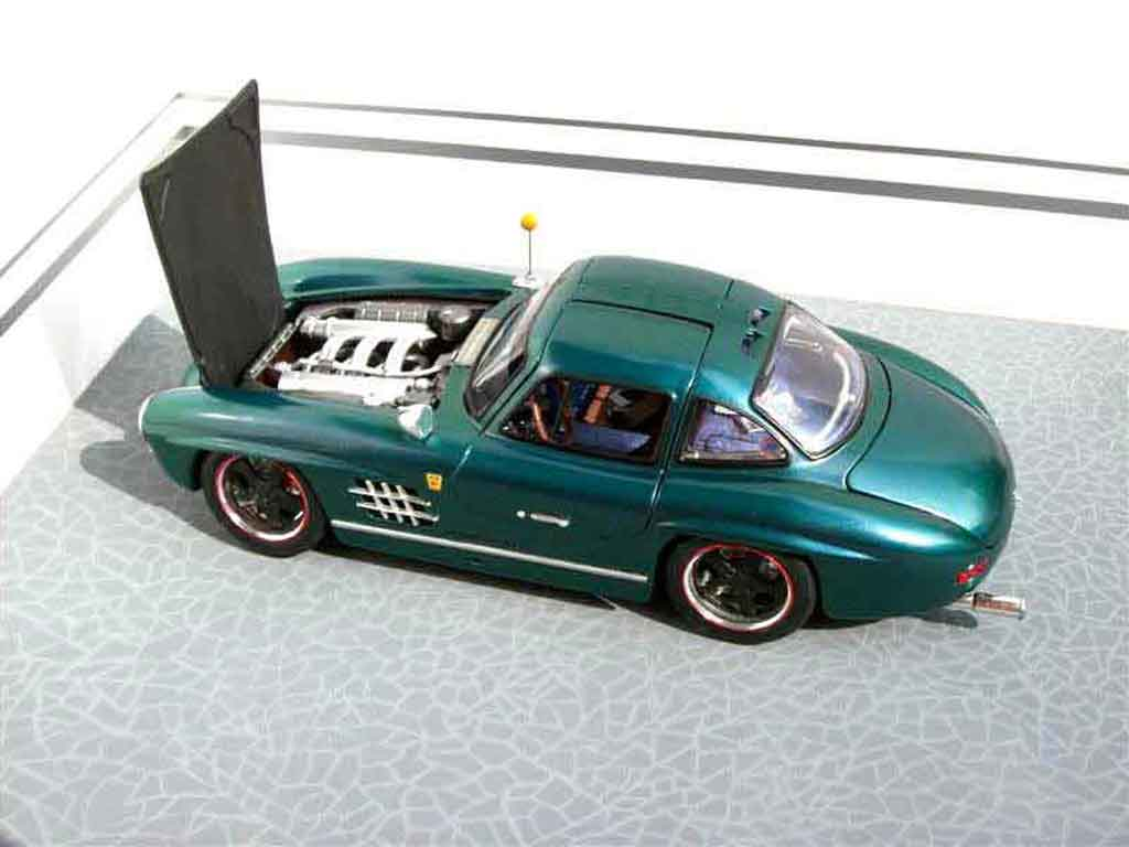 Mercedes 300 SL 1/18 Burago urban hot rod