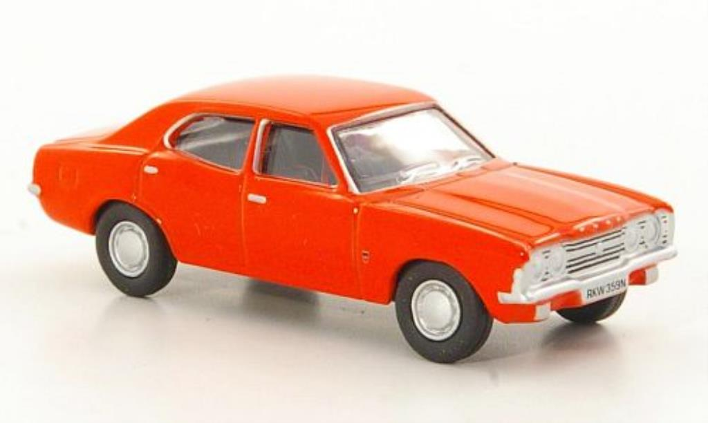 Ford Cortina 1/76 Oxford MkIII rouge miniature