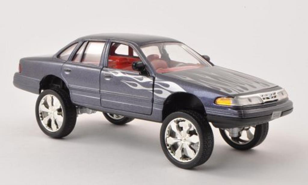 Ford Crown 1/24 Motormax Victoria Tuning anthrazit mit Dekor 2001 diecast model cars