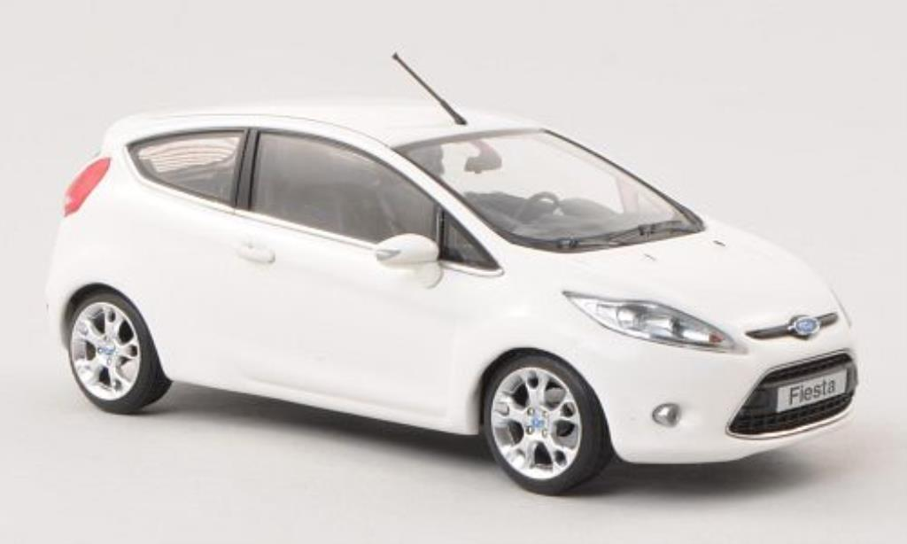 ford fiesta miniature mk vii blanche 3 turer 2008 minichamps 1 43 voiture. Black Bedroom Furniture Sets. Home Design Ideas