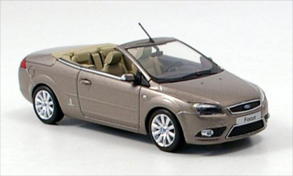 ford focus mkii cabriolet metallic dunkelbeige mcw diecast model car 1 43 buy sell diecast car. Black Bedroom Furniture Sets. Home Design Ideas