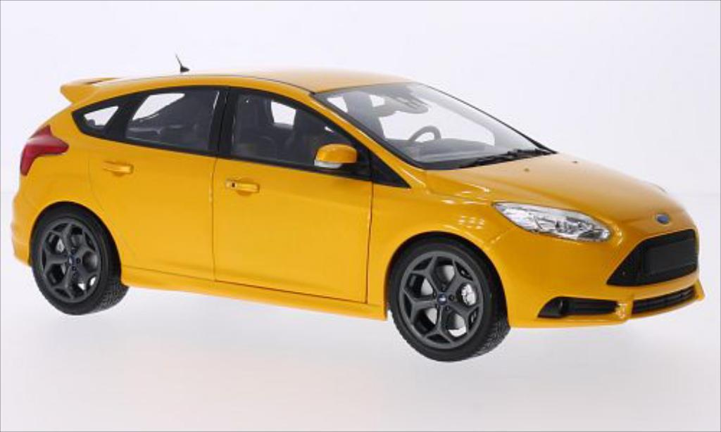 Ford Focus 1/18 Minichamps MkIII ST metallise orange 2011 miniature