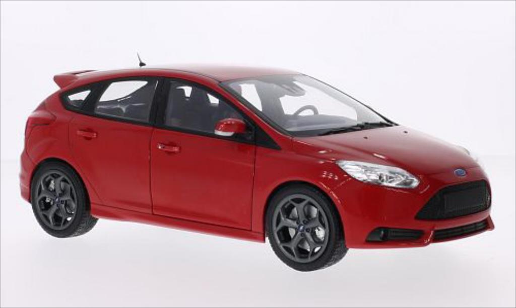 ford focus miniature mkiii st rouge 2011 minichamps 1 18 voiture. Black Bedroom Furniture Sets. Home Design Ideas