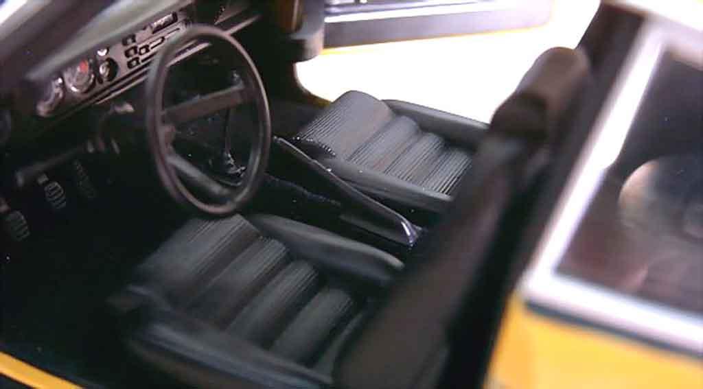 Ford Capri 1/18 Minichamps rs 2600