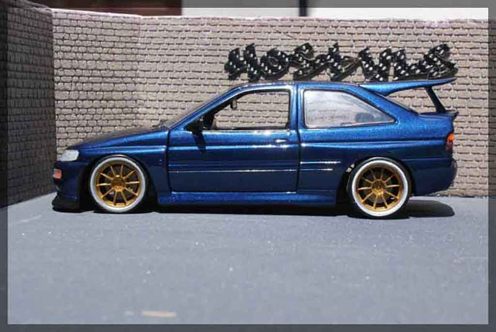 Ford Escort Cosworth 1/18 Ut Models serie limite miki biasion tuning diecast model cars