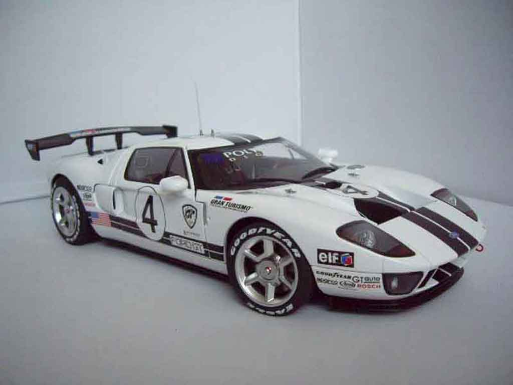 Ford GT 1/18 Autoart lm spec race car # 4