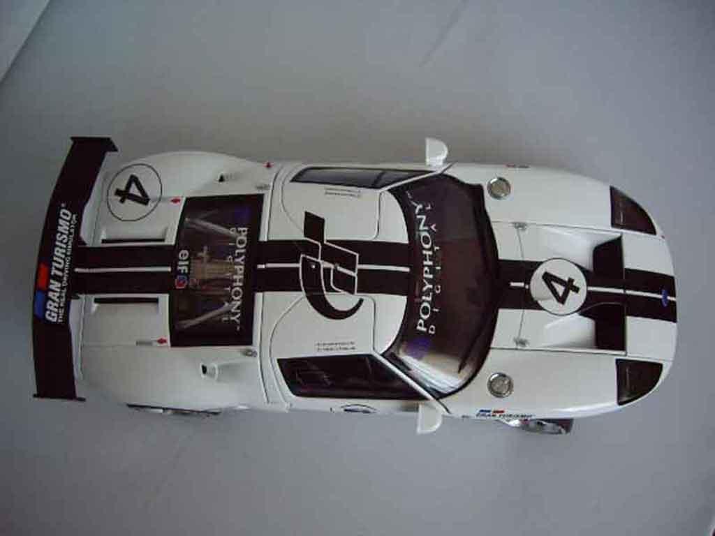 Ford GT 1/18 Autoart lm spec race car # 4