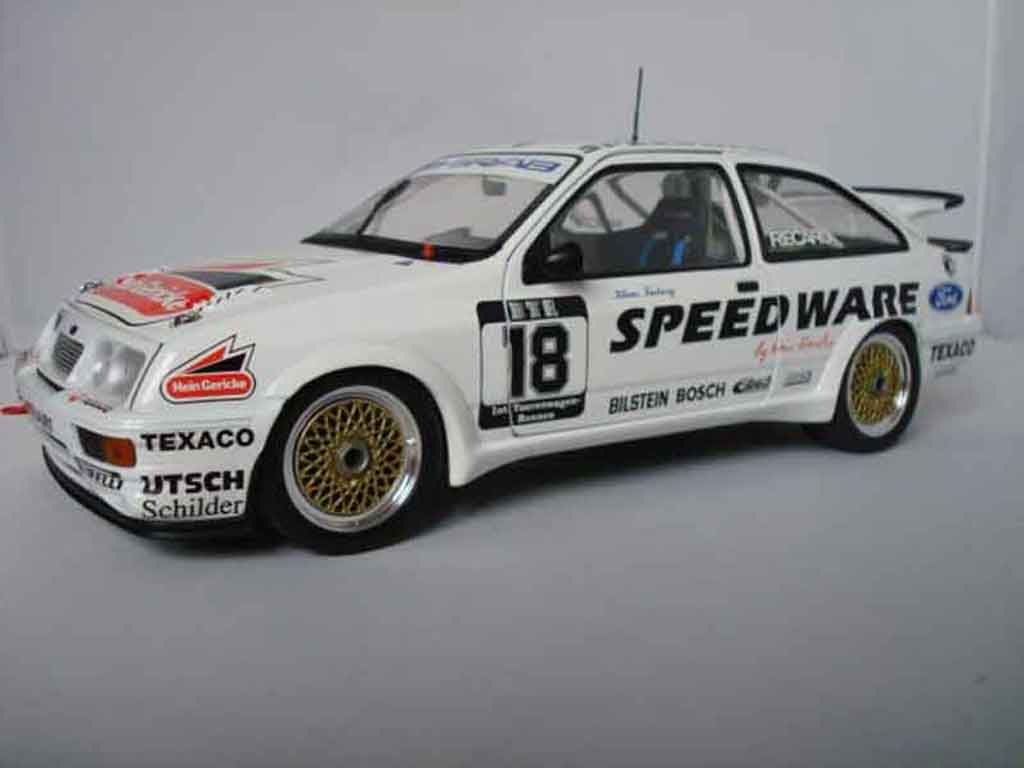 Ford Sierra RS 500 1/18 Minichamps dtm ludwig miniature