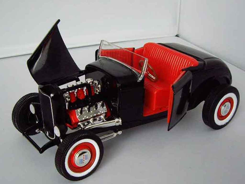 Ford 1932 1/18 Hot Wheels roadster hot rod