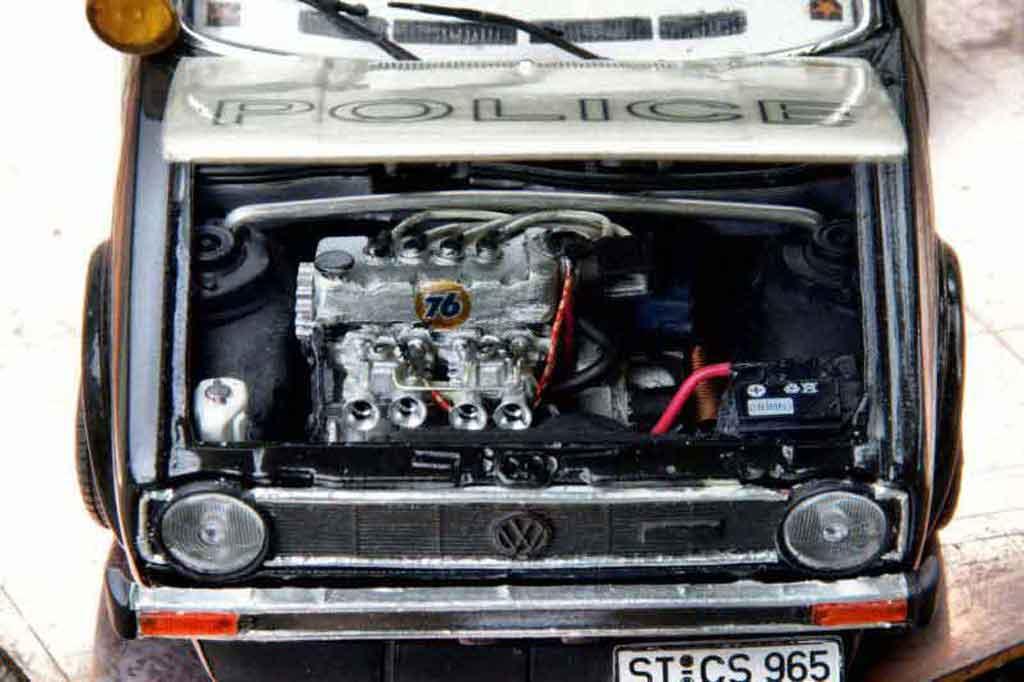 Volkswagen Golf 1 GTI 1/18 Solido police / polizei