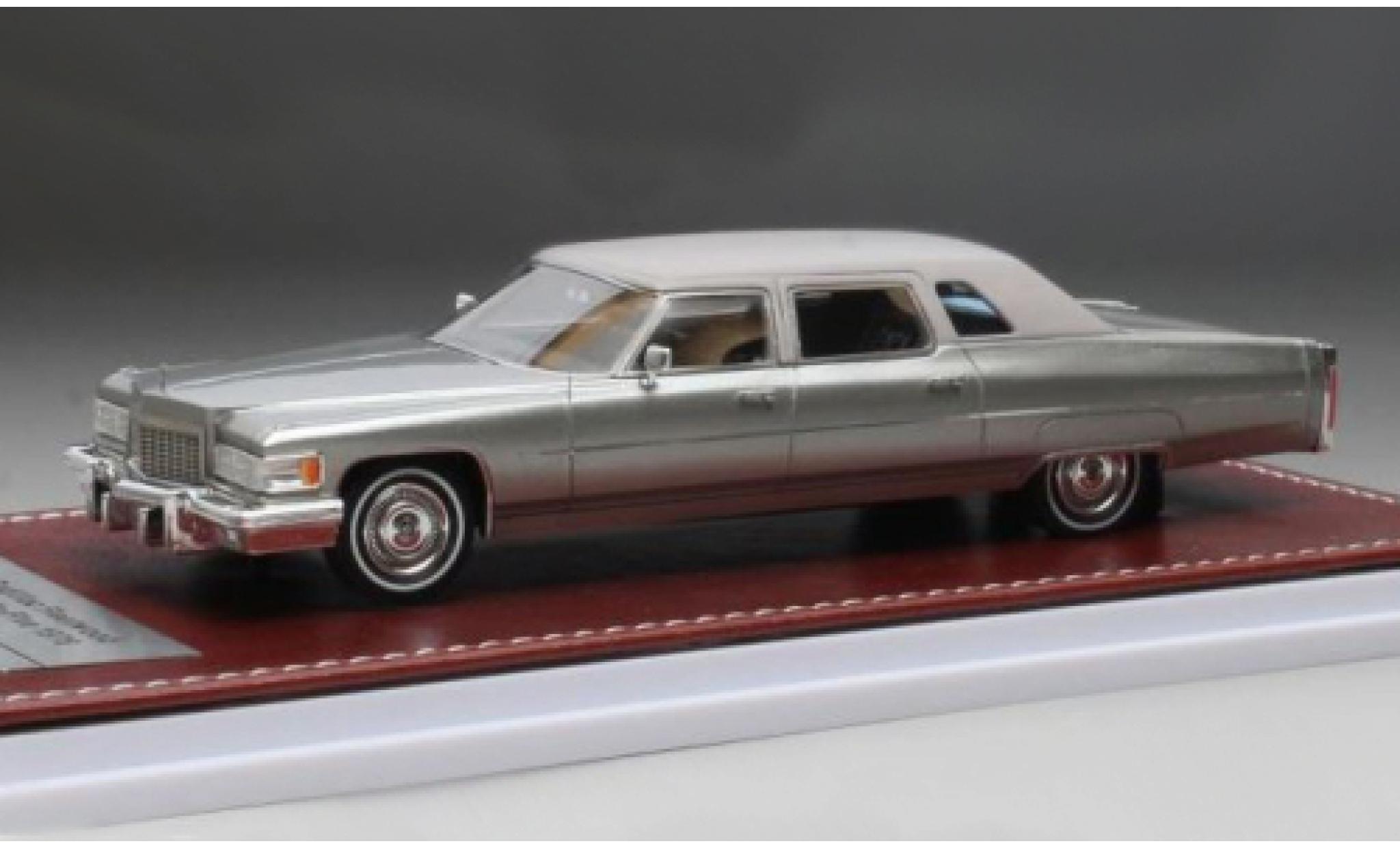 Cadillac Fleetwood 1/43 GIM   Great Iconic Models 75 grey/matt-grey 1976