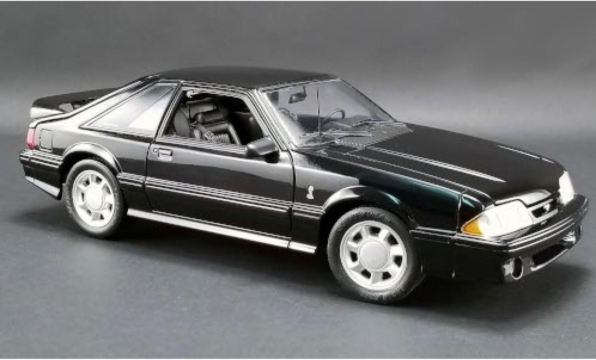 Ford Mustang 1/18 GMP Cobra noire 1993
