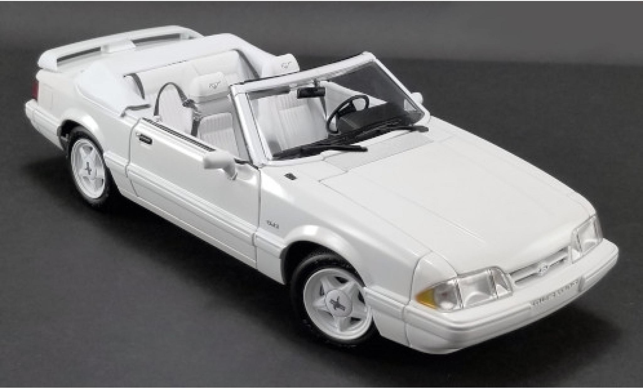 Ford Mustang 1/18 GMP LX 5.0L Convertible Feature Car blanche 1993 Softtop liegt bei