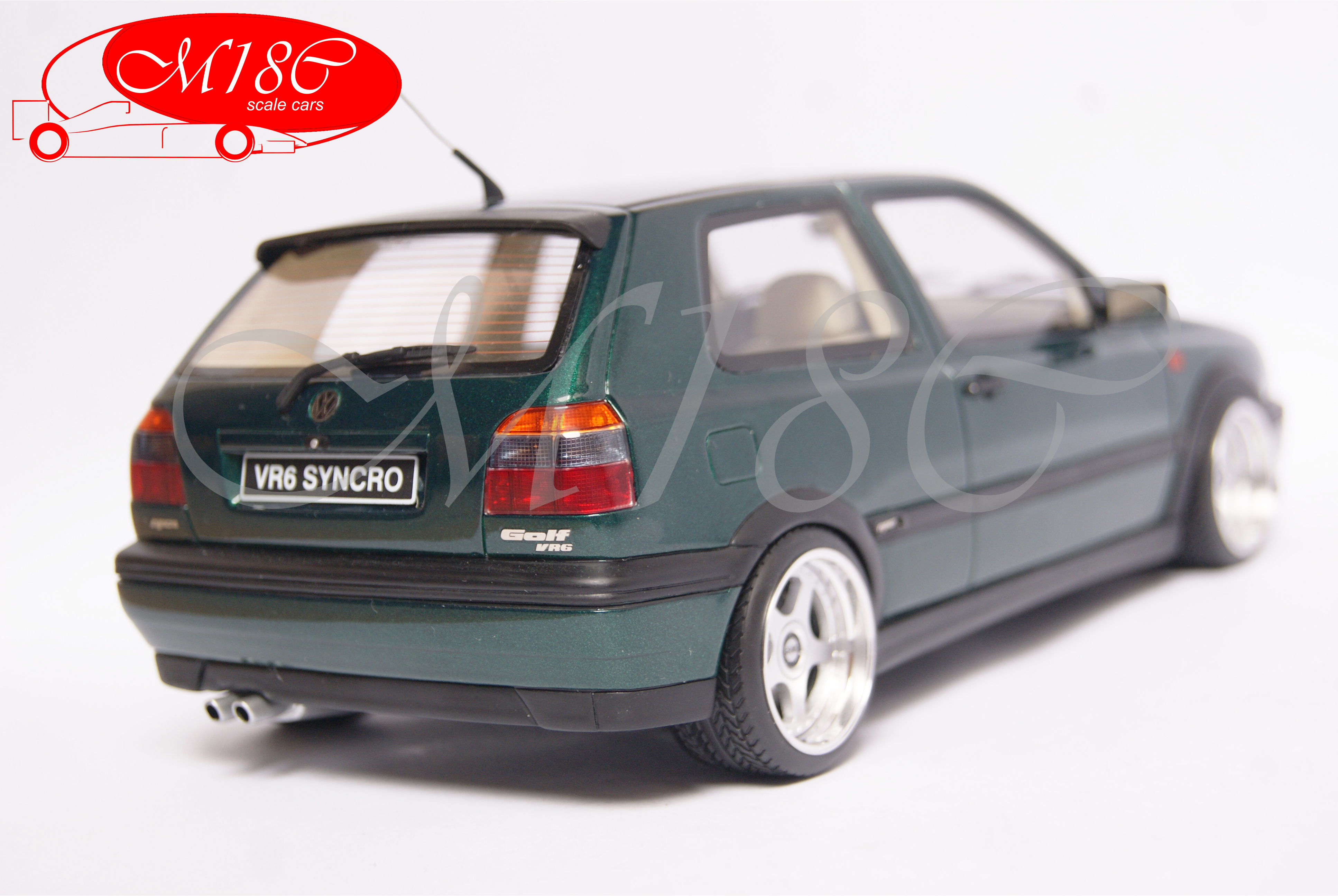 Volkswagen Golf III 1/18 Ottomobile VR6 synchro verte jantes OZ Racing 17 pouces
