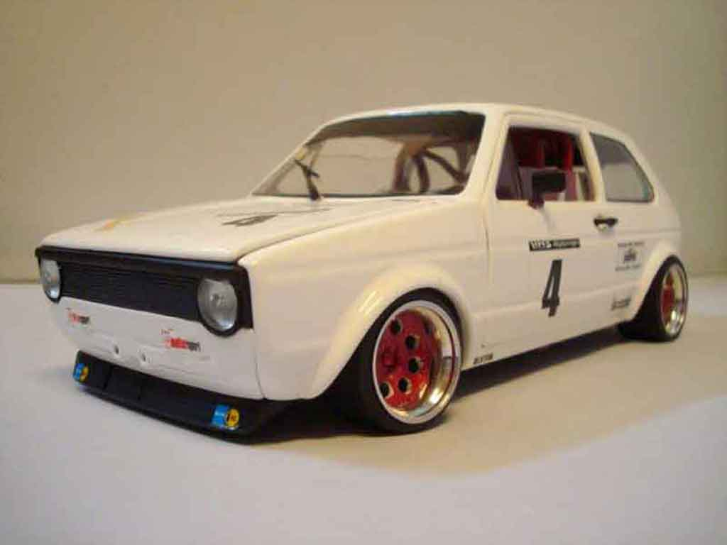 Volkswagen Golf 1 GTI 1/18 Solido Berg Cup white jantes red tuning diecast