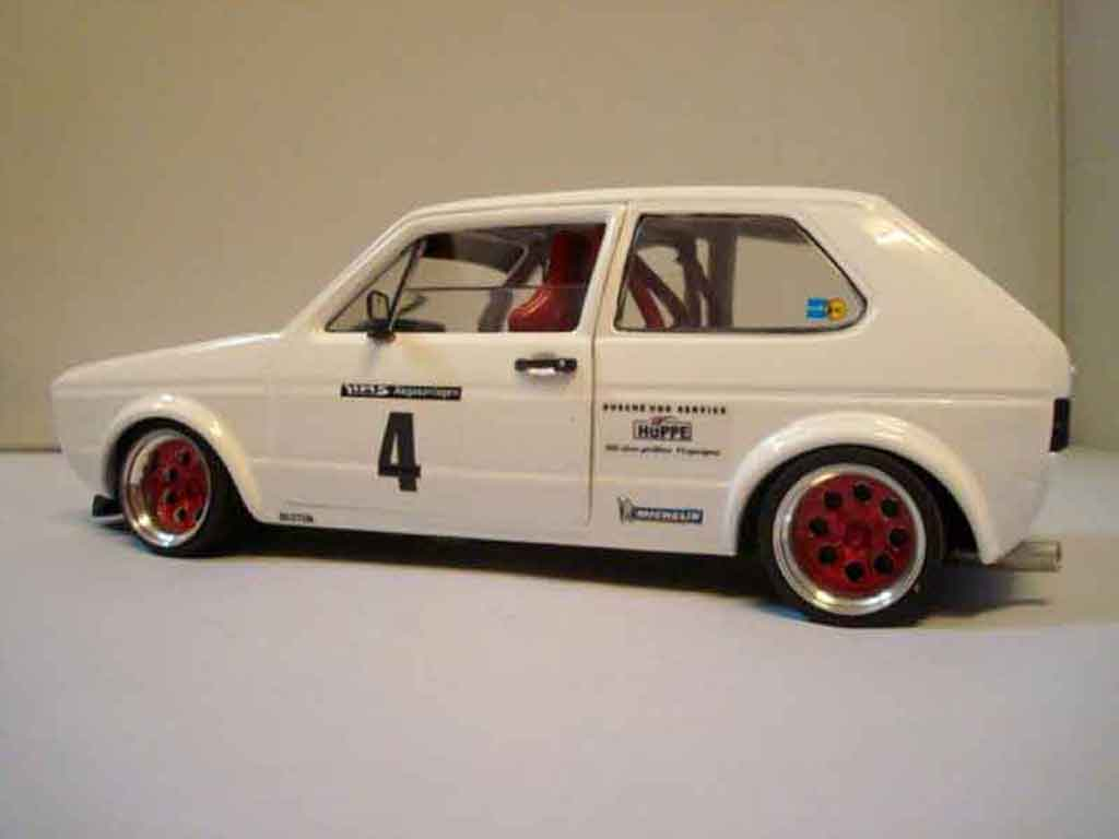 Volkswagen Golf 1 GTI 1/18 Solido Berg Cup weiss jantes rot