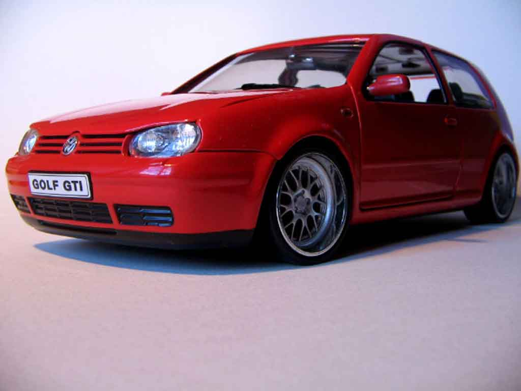Volkswagen Golf 4 GTI red wheels big offset tuning Revell. Volkswagen Golf 4 GTI red wheels big offset miniature 1/18