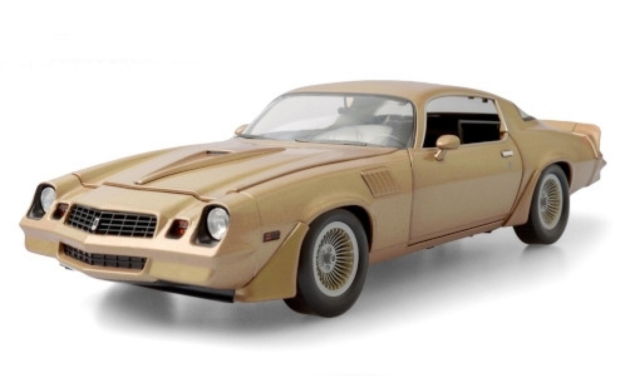 Chevrolet Camaro 1/18 Greenlight Z/28 gold Terminator 2 - Judgment Day 1979