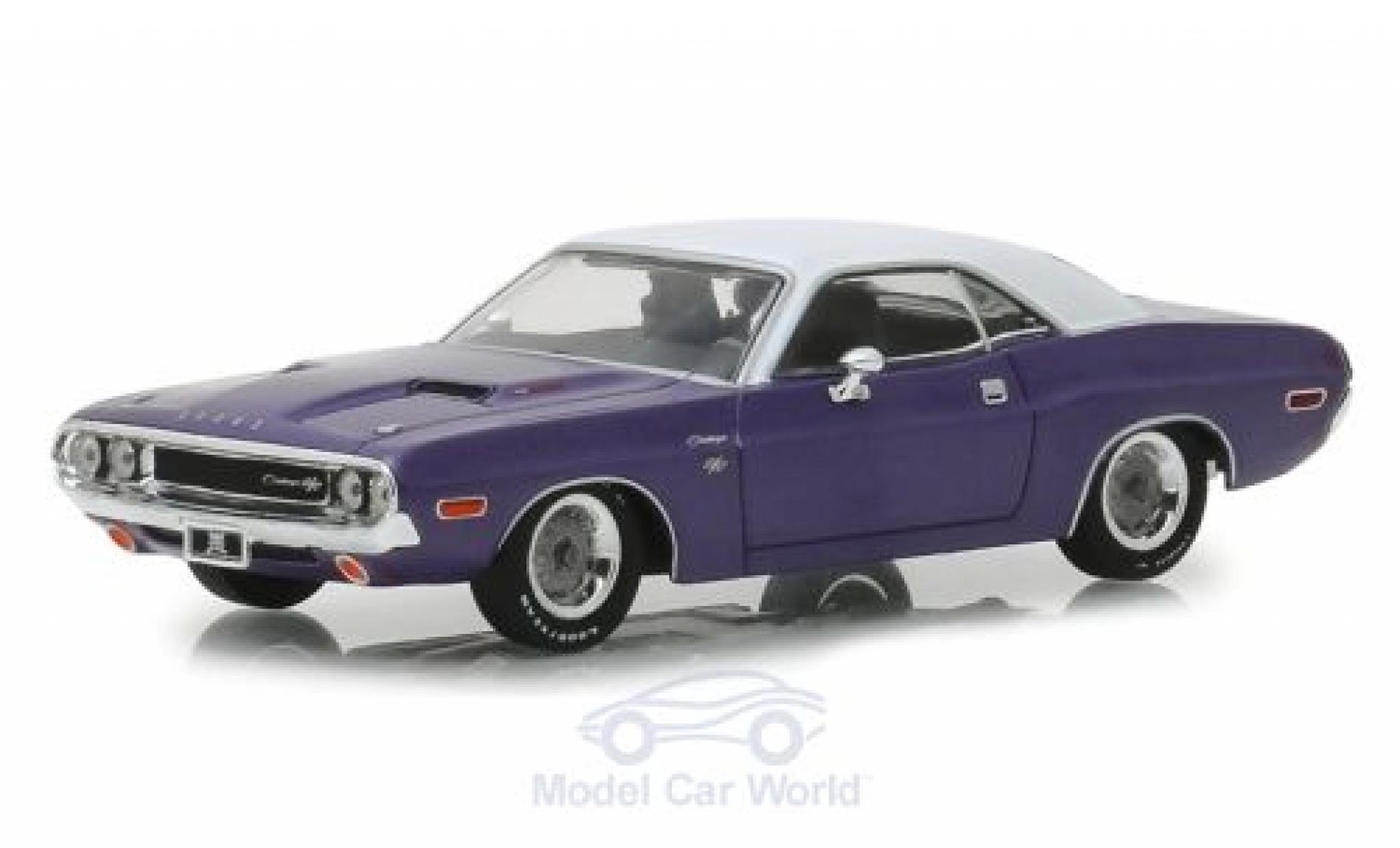 Dodge Challenger 1/43 Greenlight R/T metallic purple/white Graveyard Carz 1970