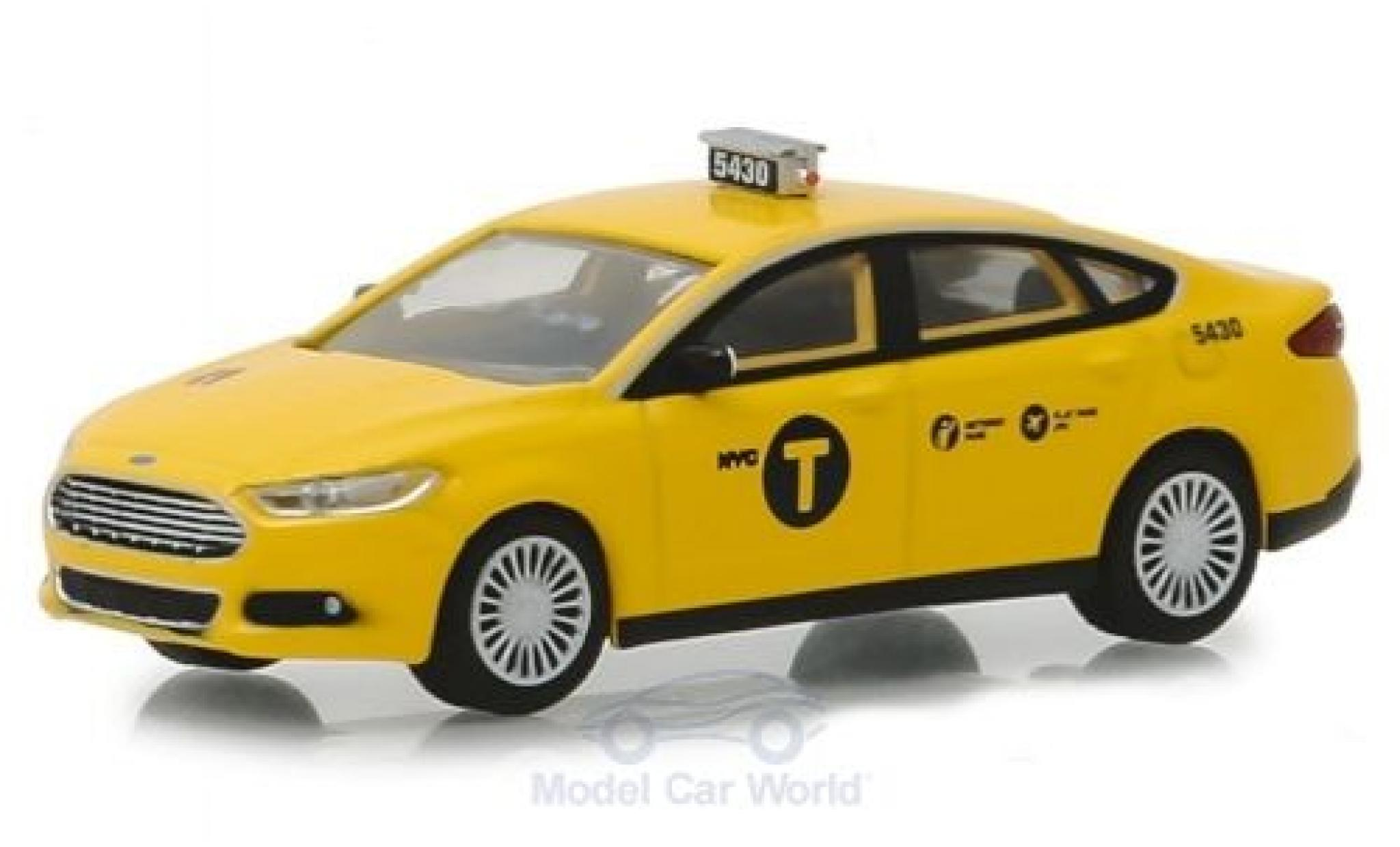 Ford Fusion 1/64 Greenlight New York Taxi 2013