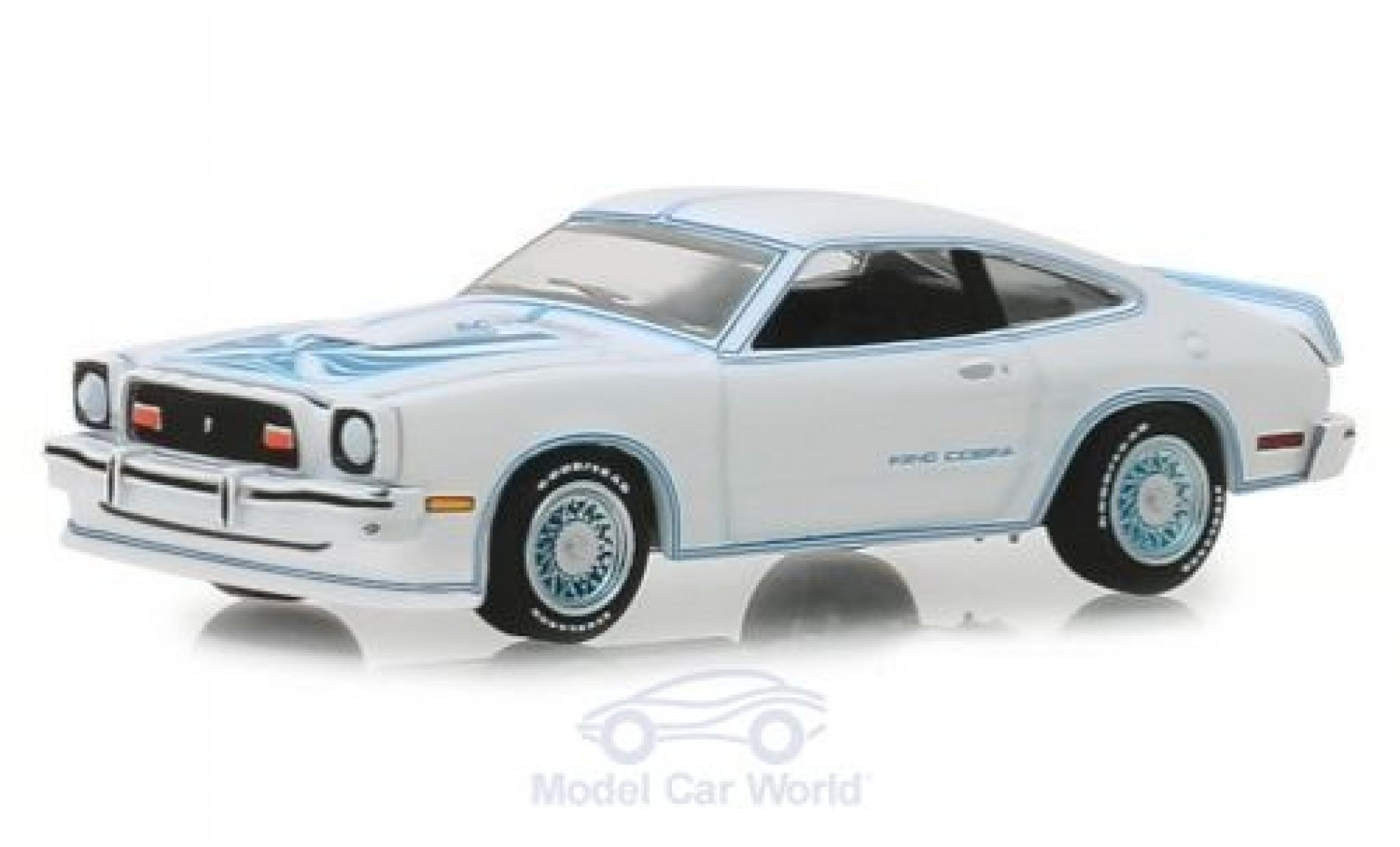 Ford Mustang 1/64 Greenlight II King Cobra blanche/bleue 1978