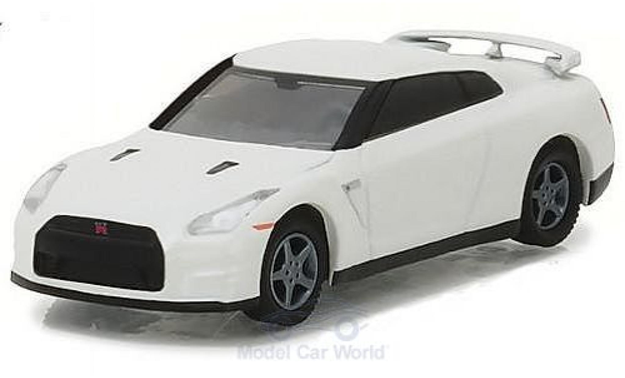 Nissan Skyline R35 1/64 Greenlight GT-R white 2014