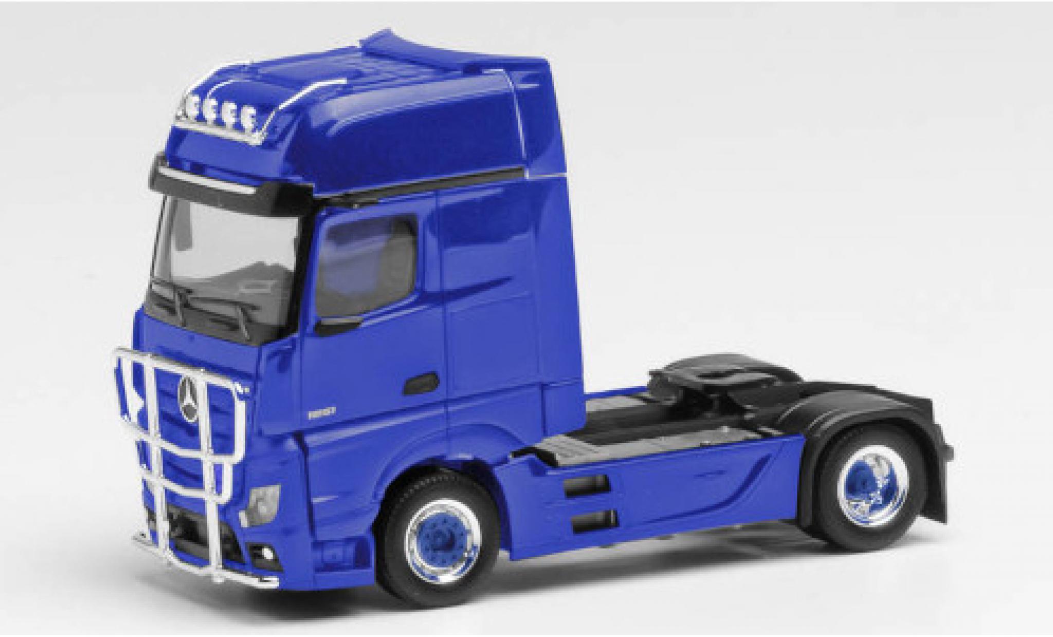 Mercedes Actros 1/87 Herpa Gigaspace bleue tracteur avec pare-buffle