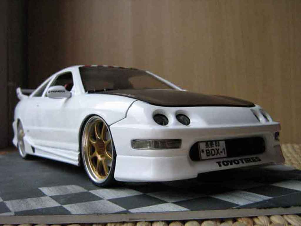 Honda Integra Type R 1/18 Hot Wheels jdm blanche tuning miniature