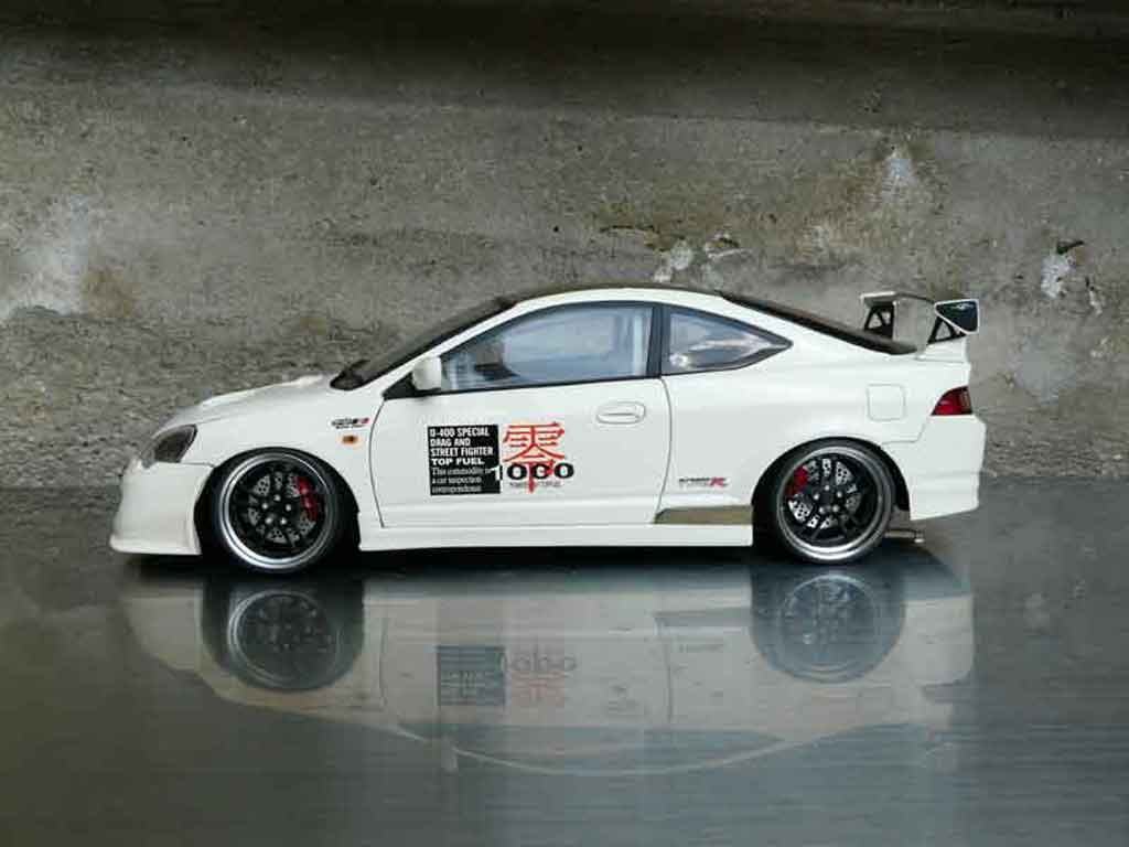 Honda Integra Type R 1/18 Autoart DC5 jun