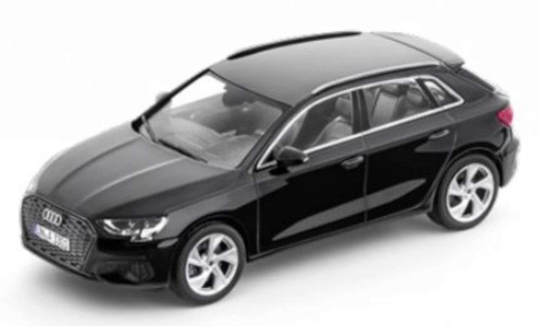 Audi A3 1/43 I iScale Sportback (8Y) noire 2020