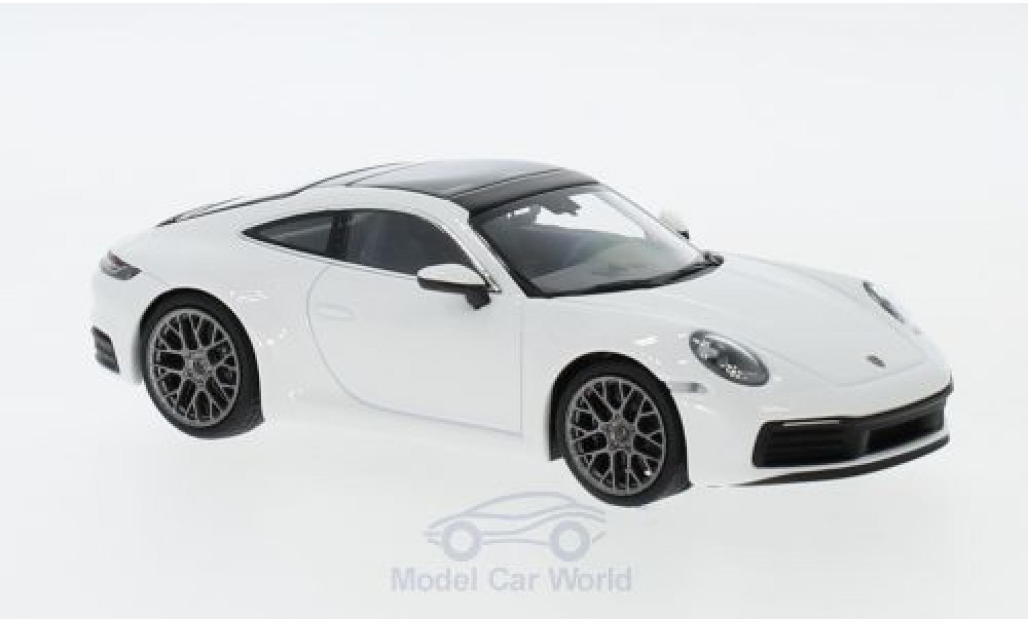 Porsche 911 1/43 I Minichamps (992) Carrera 4 white 2019