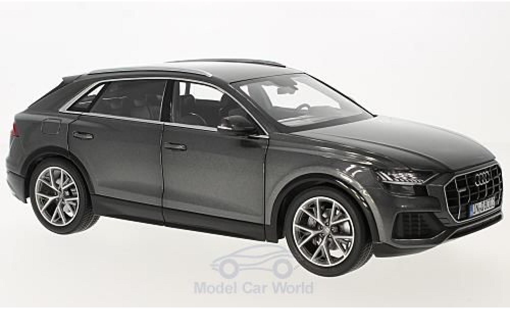 Audi Q8 1/18 Norev metallico grigio 2018 ohne Vitrine
