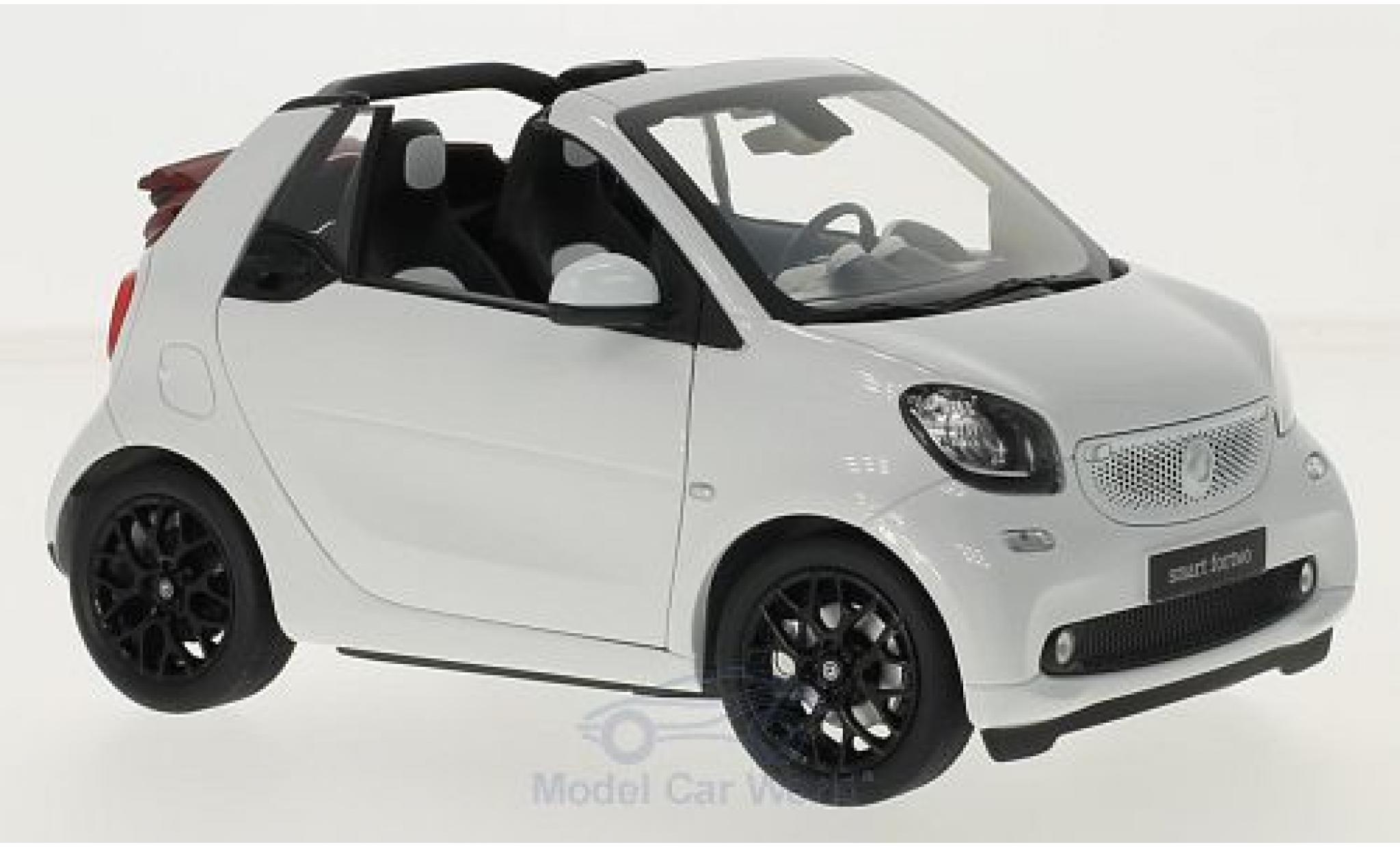 Smart ForTwo 1/18 Norev fortwo Cabrio (A453) blanche Softtop liegt bei